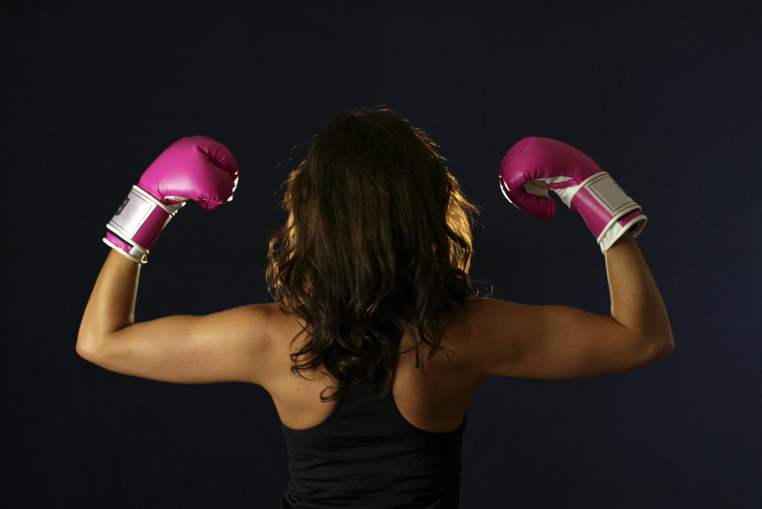 Фото девушек в боксерских перчатках на аву